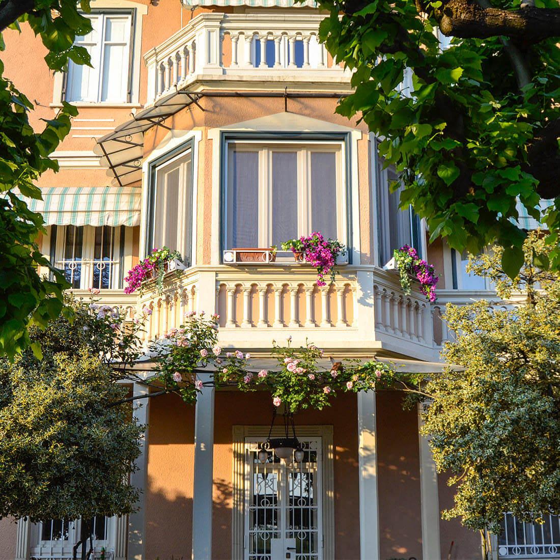 Villa d'epoca con dependance - Strada dei Ronchi, Torino